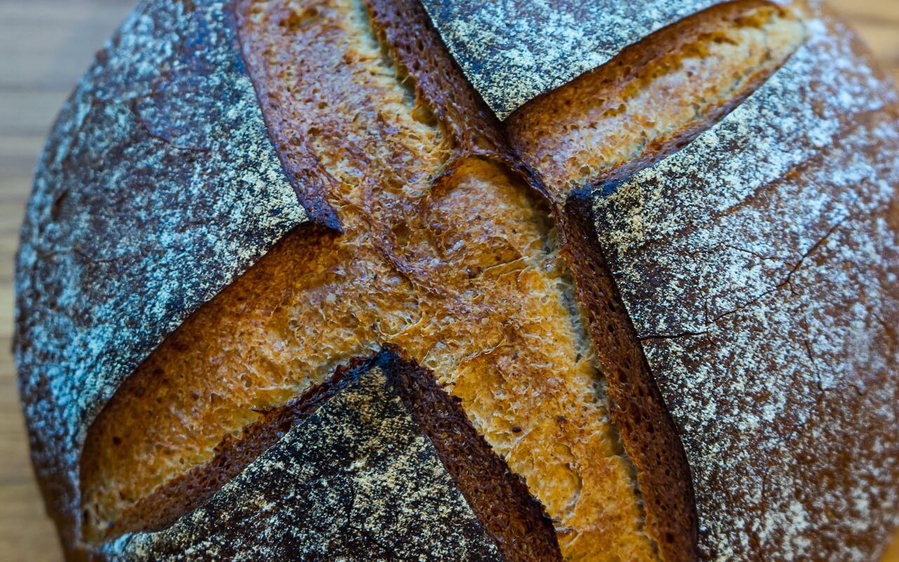 Little Effort Farmhouse Bread Crust