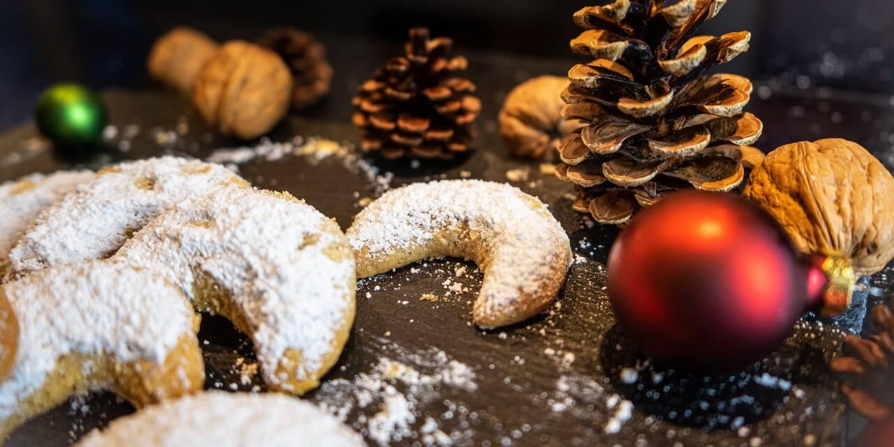 Vanillekipferl – Traditional Crescent-shaped Vanilla Biscuits