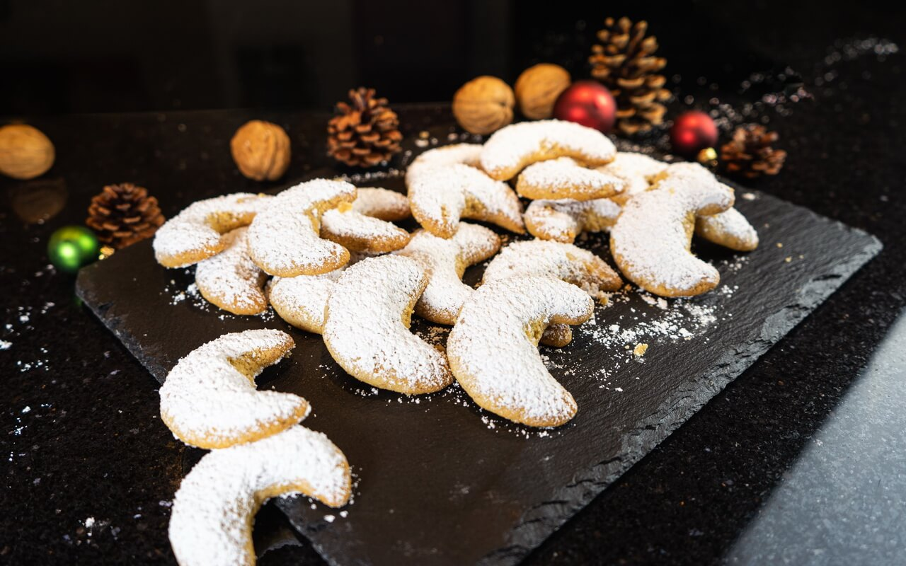 Vanillekipferl Traditional Crescent shaped Vanilla Biscuits Side View