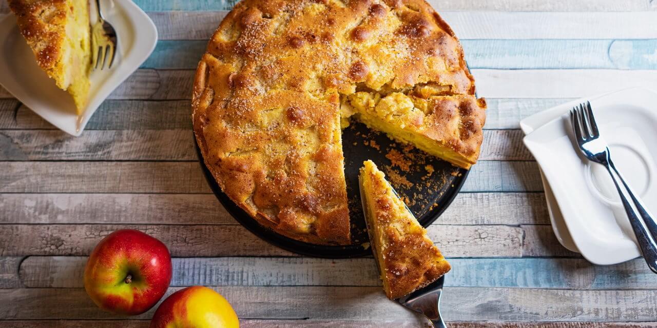 Grandma's Moist Cinnamon Apple Cake