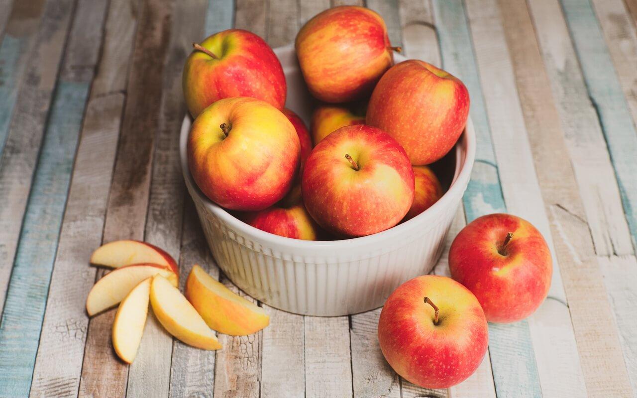 Grandmas Moist Cinnamon Apple Cake Apples In A Bowl