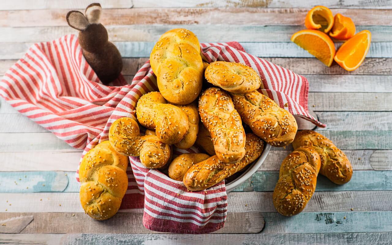 Koulourakia Traditional Greek Easter Cookies