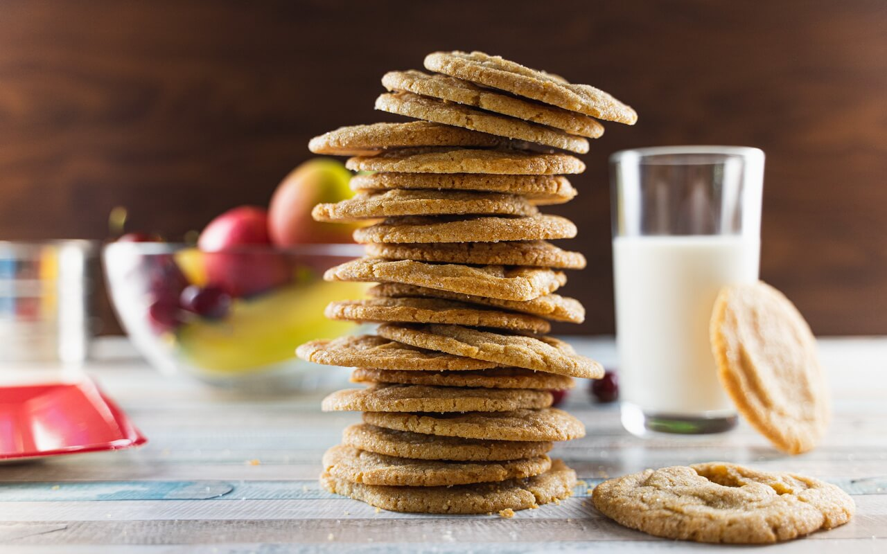 Chewy Brown Sugar Cookies With Cinnamon Tower With Horizontal