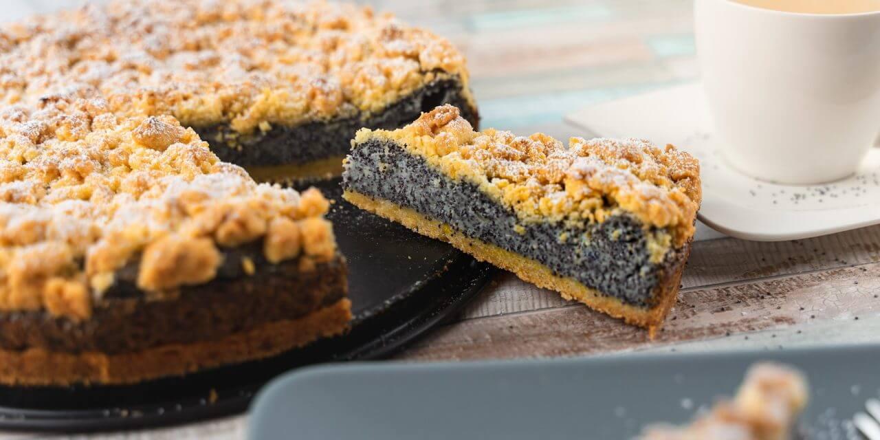 German Poppy Seed Streusel Cake