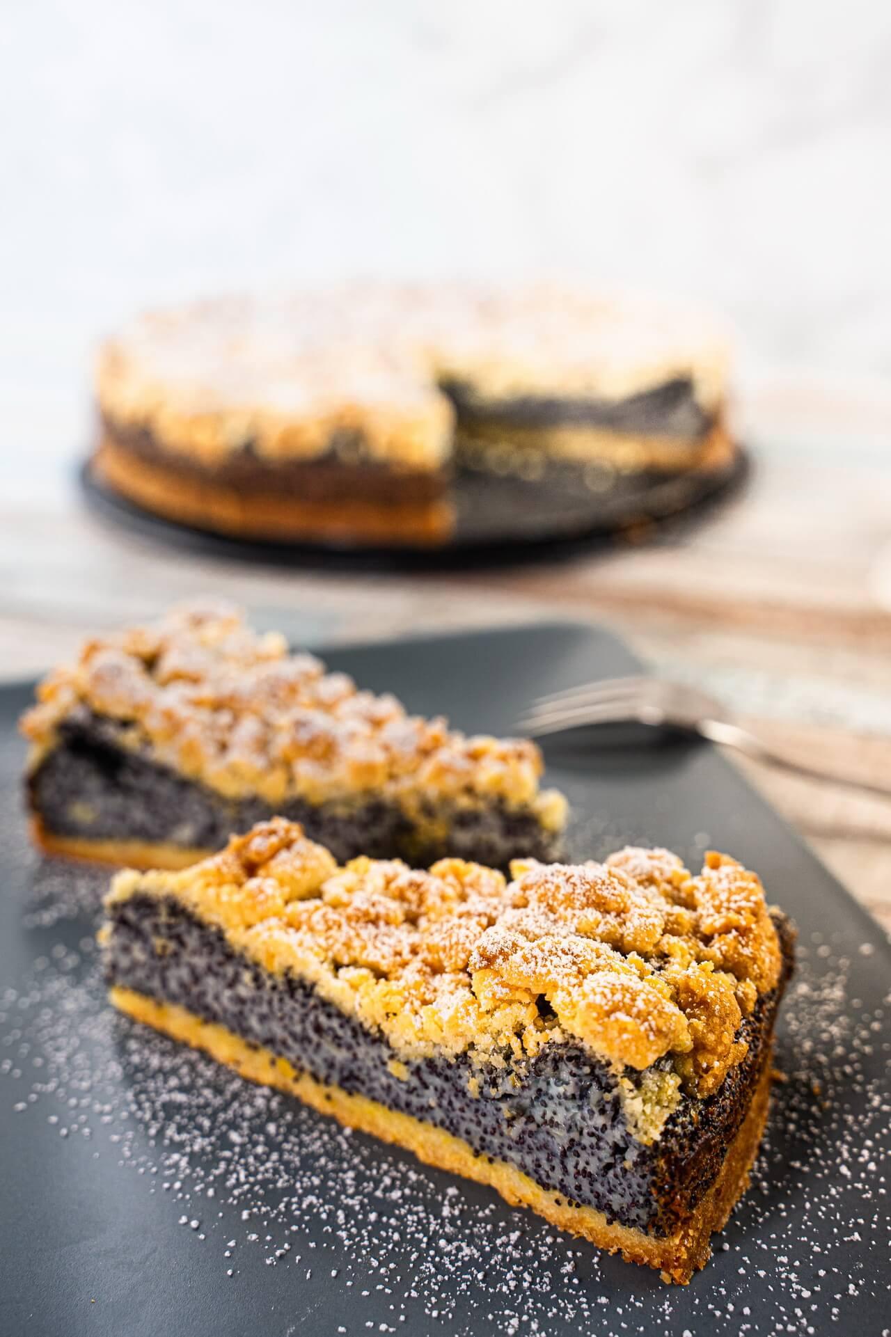 German Poppy Seed Streusel Cake Slices Vertical