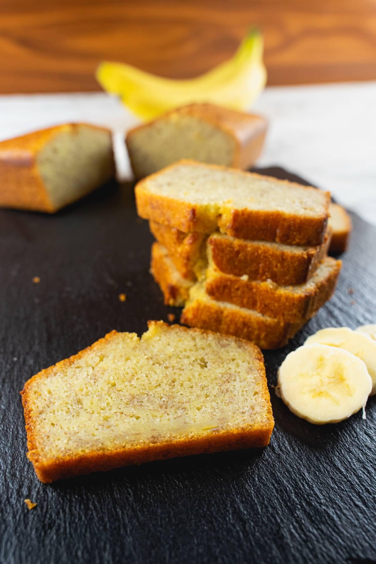 Moist Banana Bread With Banana Slices