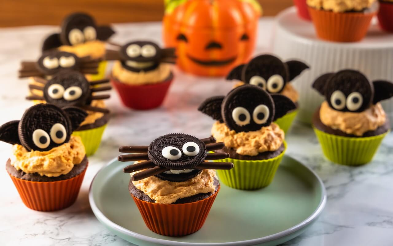 Bat Spider Halloween Cupcakes Group Photo