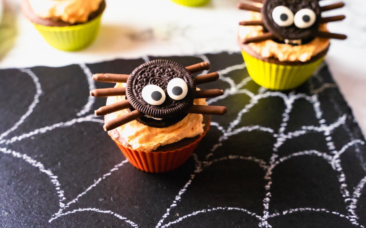 Bat Spider Halloween Cupcakes Spiders In Spiderweb