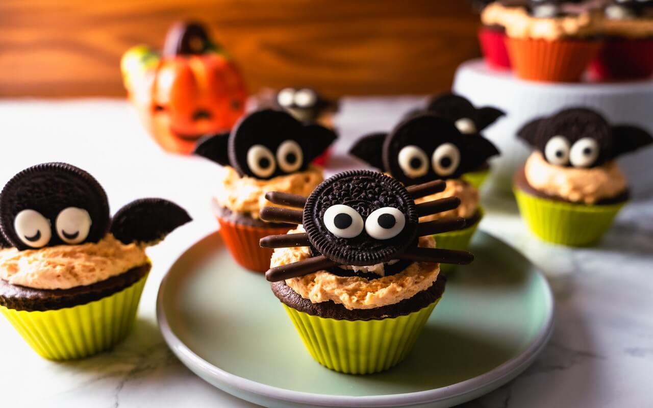 Bat Spider Halloween Cupcakes