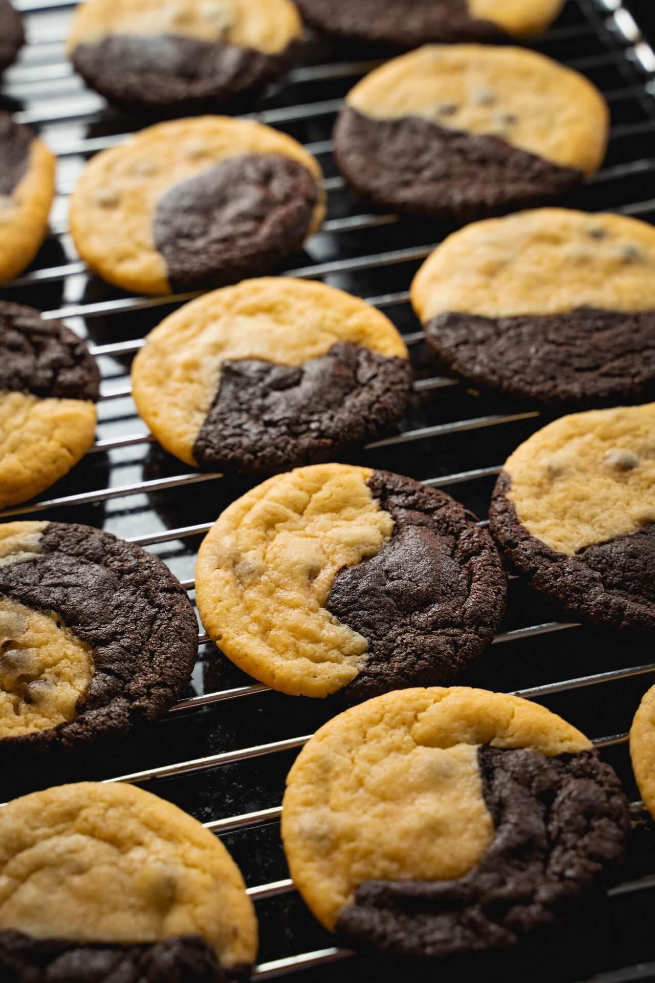 Brookies Brownies And Cookies In One On Wire Rack Vertical
