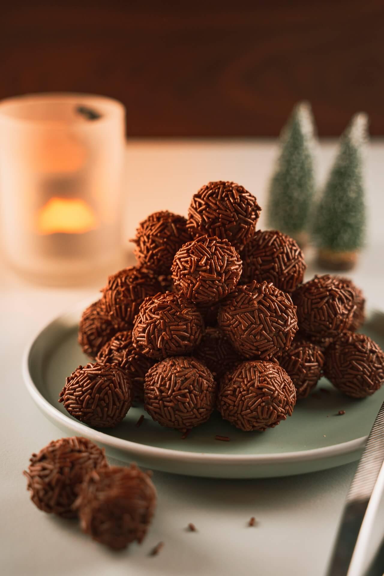 Chocolate Rum Balls Pyramid
