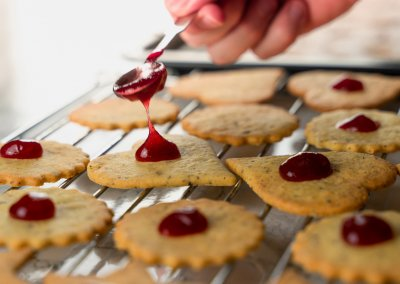 Traditional Linzer Cookies Place Jam On Top Of Bottom Cookies 1