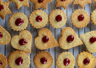 Traditional Linzer Cookies Place Jam On Top Of Bottom Cookies 2