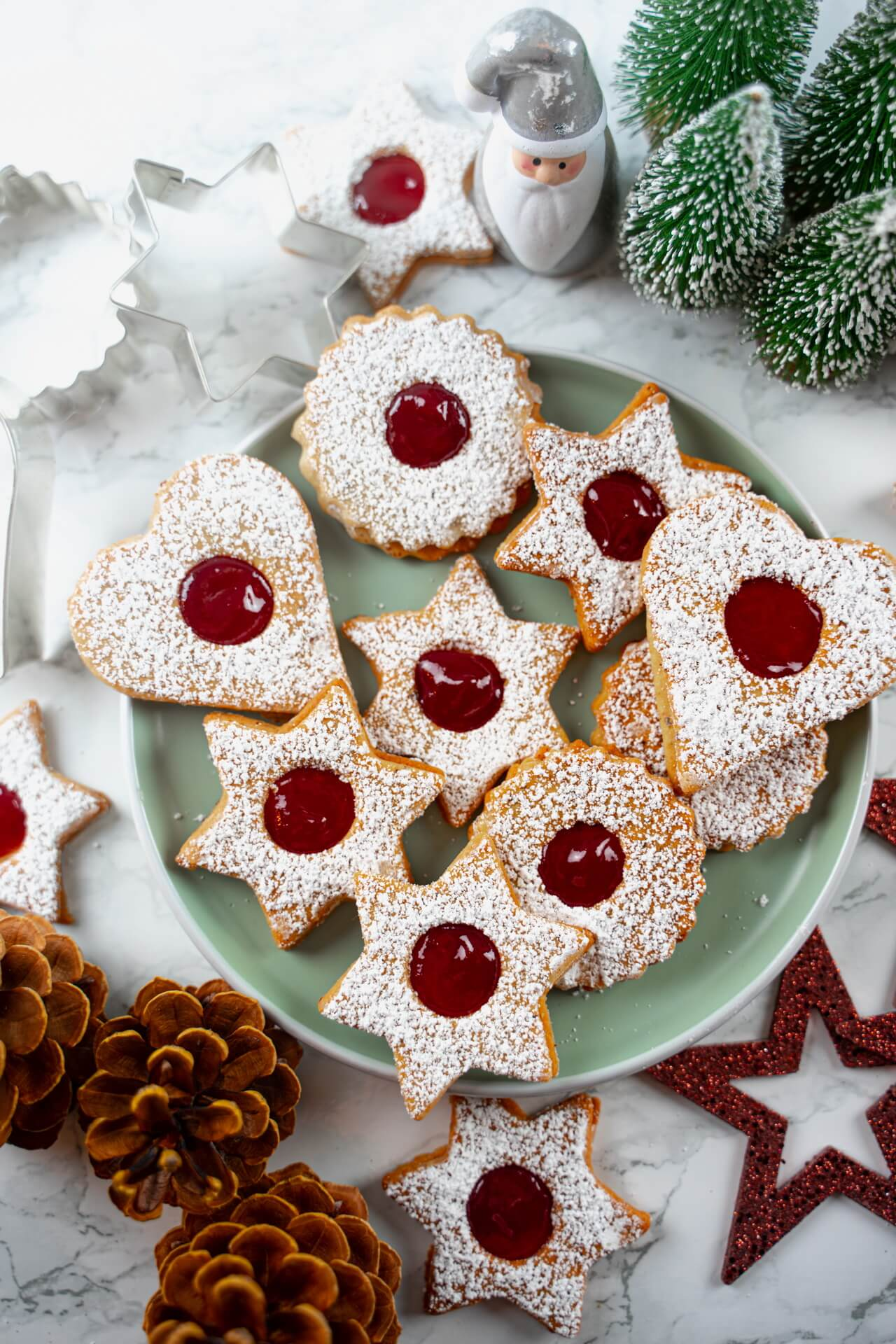 Traditional Linzer Cookies Top View