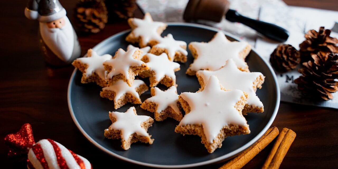 Zimtsterne – Cinnamon Star Christmas Cookies